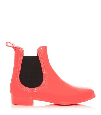 Coral and Black Chelsea Wellies