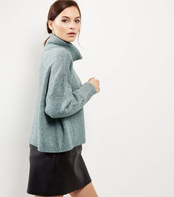 Light Green Cowl Neck Long Sleeve Cropped Jumper