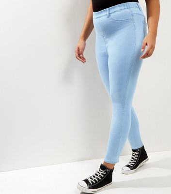 Curves – Blassblaue Jeggings