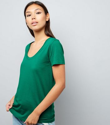 Green Scoop Neck Short Sleeve T-Shirt