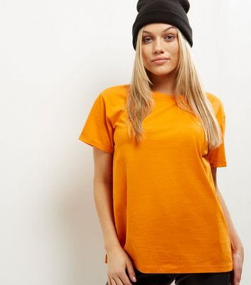 Petite – Kurzärmliges Boyfriend-T-Shirt in hellem Orange