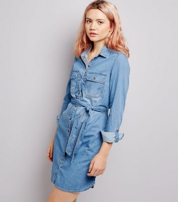 Blaues Denim-Hemdkleid