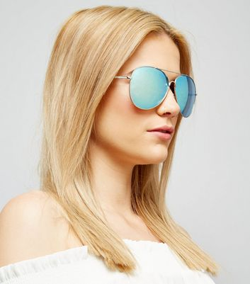 Blue Mirrored Pilot Sunglasses