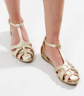 Sandalen in Gold-Metallic mit Riemen in Gitteroptik