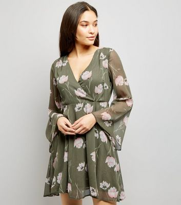 Light Grey Floral Print Chiffon Wrap Front Dress