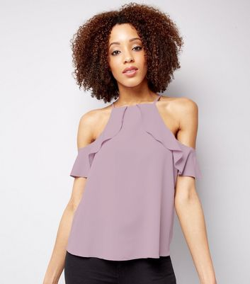 Fliederfarbenes Cold-Shoulder Top mit Rüschen