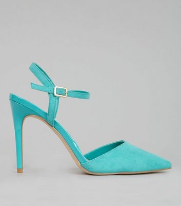 Green Ankle Strap Pointed Court Shoes