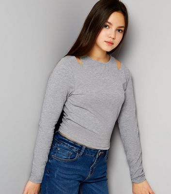 Teenager – Graues Top mit Cut-Out an der Schulter