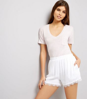 White Jacquard Textured Lace Hem Shorts