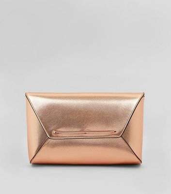 Roségoldfarbene Kuvert-Clutch in Metallic-Optik