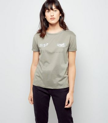 Cameo Rose Green Live To Sparkle Print T-Shirt