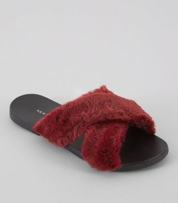 Wide Fit Red Faux Fur Sliders