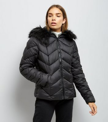 Black Faux Fur Trim Hooded Chevron Puffer Jacket