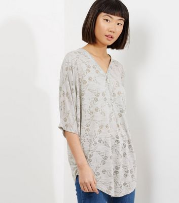 Apricot Grey Bird Print 1/2 Sleeve Zip Front Top
