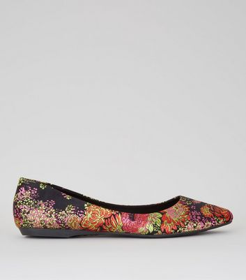 Black Floral Brocade Pumps