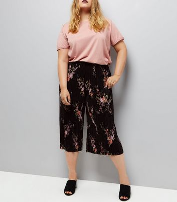 Curves Black Floral Print Pleated Culottes