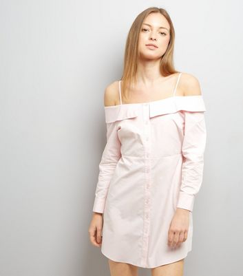 Rosafarbenes Cold-Shoulder Hemdkleid