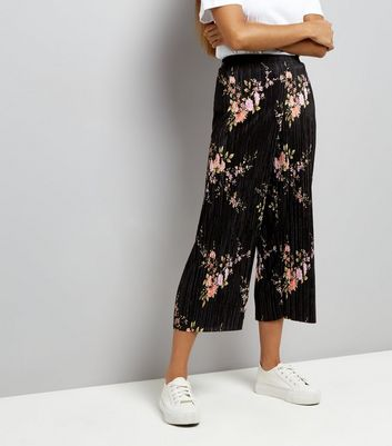 Petite Black Floral Print Pleated Culottes