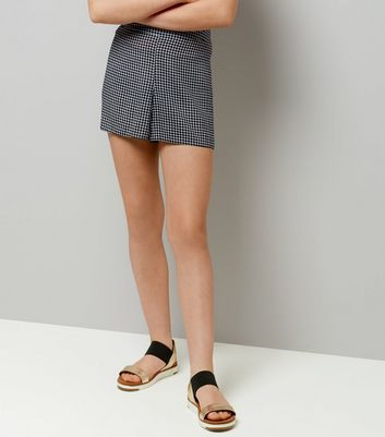 Teens Black Gingham Shorts