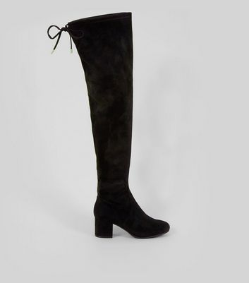 Wide Fit – Schwarze Overknee-Stiefel in Wildleder-Optik mit Blockabsatz