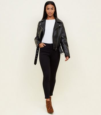 Petite Black Supersoft Skinny Jeans