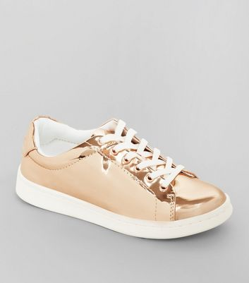 Teenager – Metallic-Sneaker mit Schnürung in Roségold