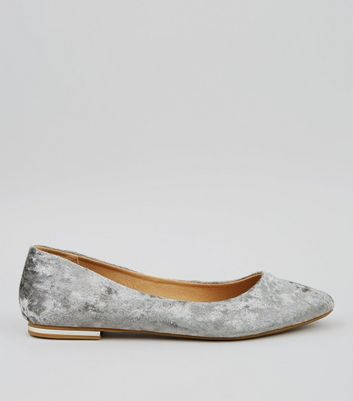 Grey Velvet Metal Trim Pointed Pumps