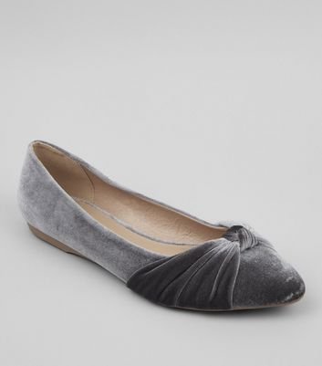 Grey Velvet Knot Front Pumps