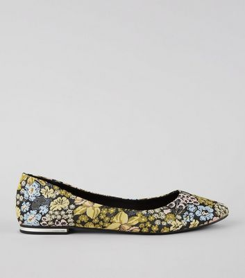 Black Floral Brocade Metal Heel Pointed Pumps