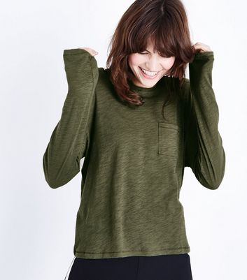 Olive Green Organic Cotton Long Sleeve Pocket Front T-Shirt