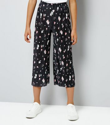 Teens Black Floral Pleated Crop Trousers