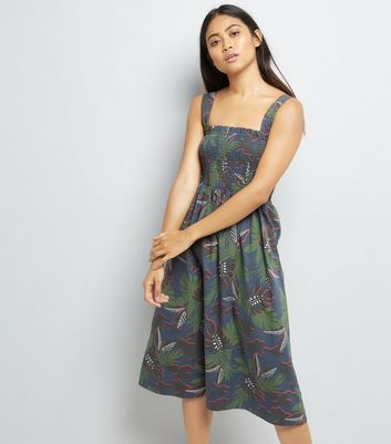 Petite Green Tropical Print Shirred Midi Dress