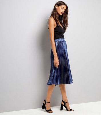 Navy Pleat Midi Skirt