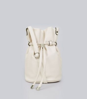 Cream Bucket Shoulder Bag