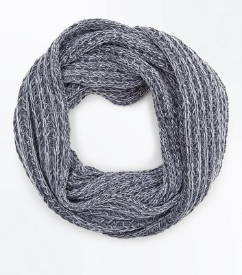 Pale Grey Cable Knit Snood