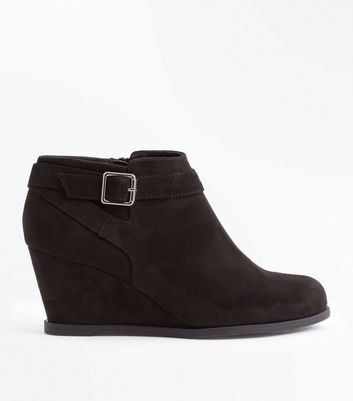 Teens Black Suedette Wedge boots