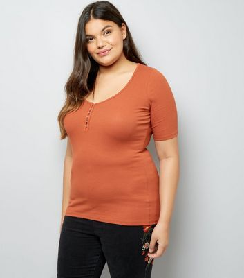 Curves Rust Hook and Eye T-Shirt