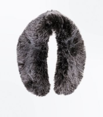 Pale Grey Faux Fur Collar