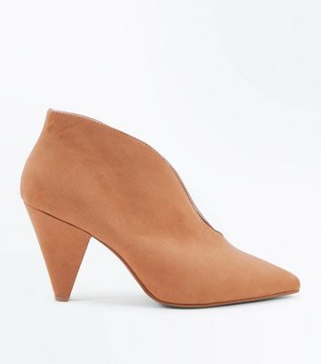 Wide Fit Tan Suedette V Front Shoe Boot