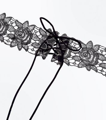 Black Metallic Floral Lace Choker