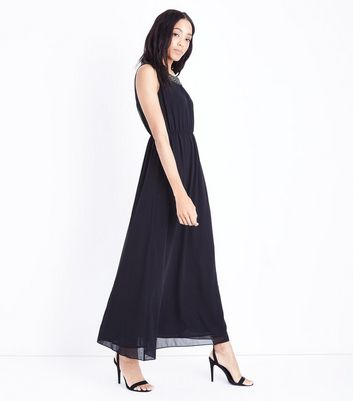 Mela Black Embellished Chain Neck Maxi Dress