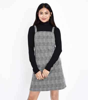 Petite Black Prince of Wales Check Pinafore Dress