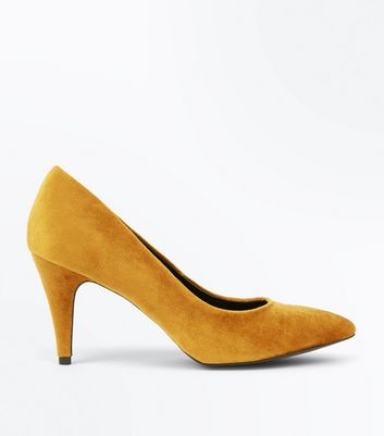 Mustard Yellow Crushed Velvet Pointed Court Shoes
