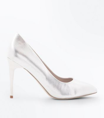 Silver Metallic Pointed Courts