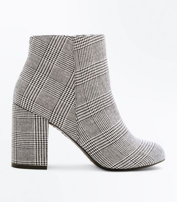 Black Houndstooth Check Block Heel Ankle Boots
