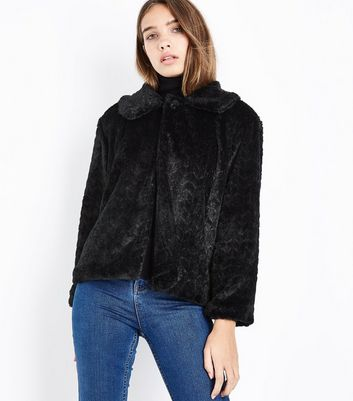 Mela Black Faux Fur Jacket | New Look