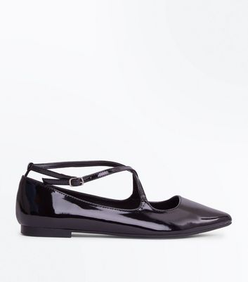 Black Patent Cross Strap Ppinted Pumps