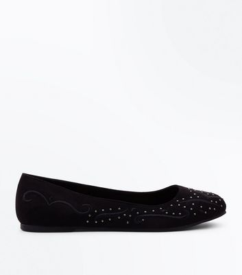 Black Suedette Stud Embroidered Pumps