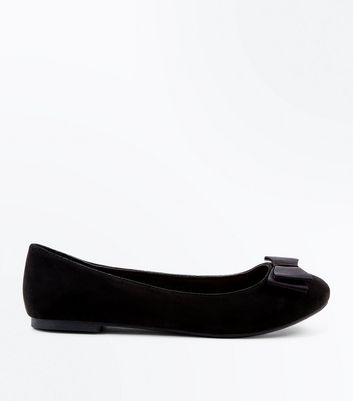 Wide Fit Black Ribbon Bow Ballet Pumps by New Look