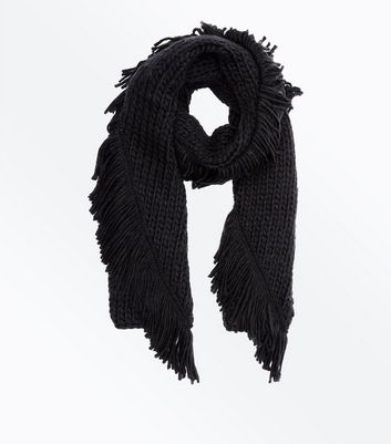 Black Chunky Knit Fringed Scarf